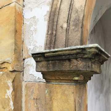 Straty po burzy w klasztorze w Wielgomłynach