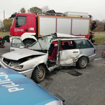 Pow. piotrkowski: w wyniku zderzenia z tirem zginął kierujący volkswagenem
