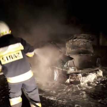 Pożar samochodu w Kodrębie