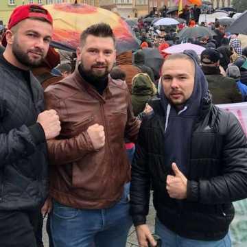 Pracownicy branży fitness protestują w Warszawie. Wśród nich radomszczanie
