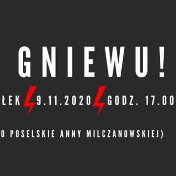 """""""Znak gniewu"""". W poniedziałek kolejny protest pod biurem poseł Anny Milczanowskiej w Radomsku"""