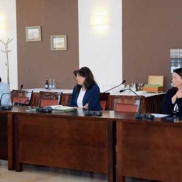 Dyrektorzy szkół rozmawiali o przygotowaniach do egzaminów zewnętrznych