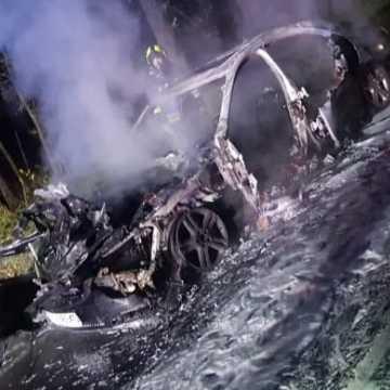 W Wygwizdowie doszczętnie spłonął samochód