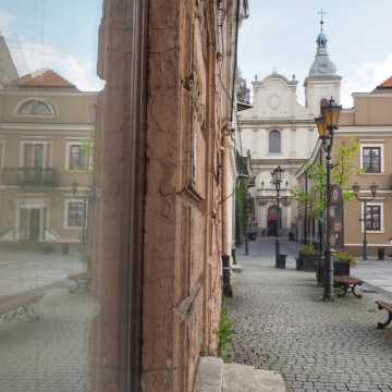 Miejskie kontrasty na warsztatach fundacji Foto Pozytyw