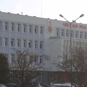 Urząd Miasta Radomska w nowej krasie