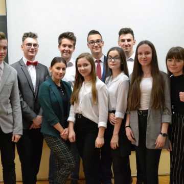 """Uczniowie I LO w Radomsku wygrali konkurs """"Klimat to przyszłość"""