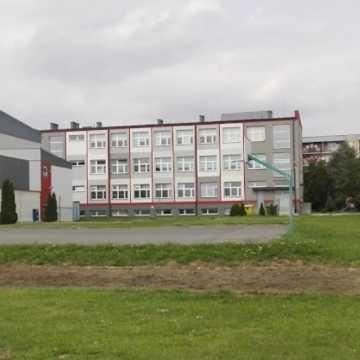 Jest ponowny przetarg na budowę kompleksu boisk przy PSP 6 w Radomsku
