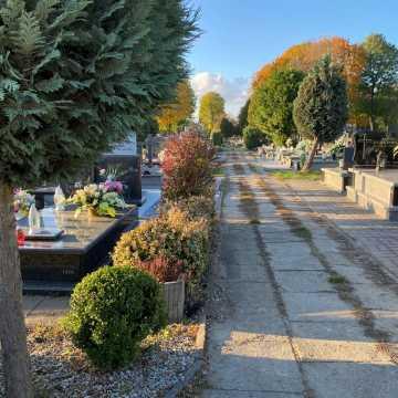 W najbliższą sobotę, niedzielę 1 listopada, i poniedziałek zamknięte będą cmentarze