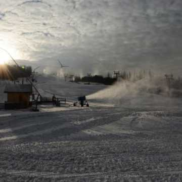 Góra Kamieńsk czeka na śnieg