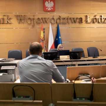 Sejmik woj. łódzkiego wprowadził zmiany w uchwale dotyczącej Samorządowej Karty Praw Rodzin