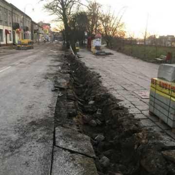 Przebudowa ulicy Reymonta potrwa dłużej