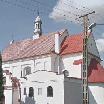 Nieznani sprawcy pobili księdza z parafii w Dmeninie