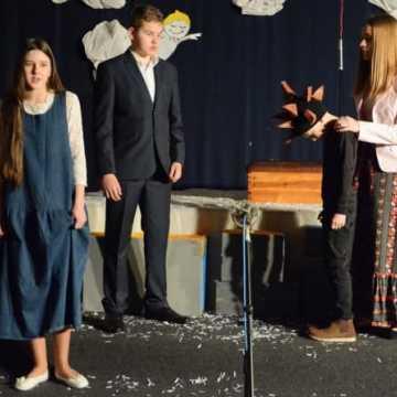"""""""Kolęda z kolcami"""" - spektakl, który poruszył widzów"""