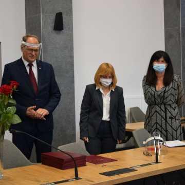 Pracownicy oświaty odebrali nagrody z rąk prezydenta Radomska