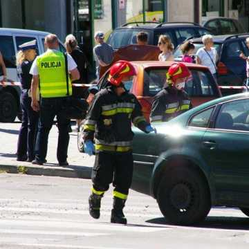 [AKTUALIZACJA] Kolizja 4 samochodów przy ul. Piastowskiej w Radomsku. Sprawca zdarzenia uciekł
