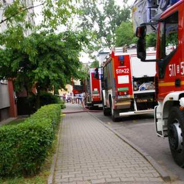 Pożar w wieżowcu w Radomsku