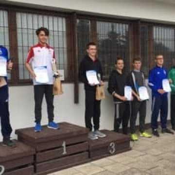 "Zawodnicy ""10-ki"" na podium"