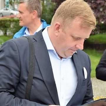 Prezydent Ferenc ściga się z RAS? – zastanawia się radny Łukasz Więcek
