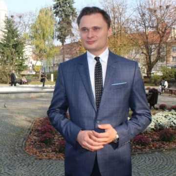 Krzysztof Ciecióra dziękuje za głosy i zapowiada chęć współpracy z Radomskiem i posłem Milczanowską