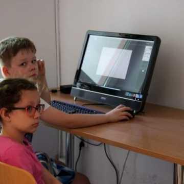 """""""Grafika nam nie fika"""" - warsztaty komputerowe w bibliotece w Radomsku"""