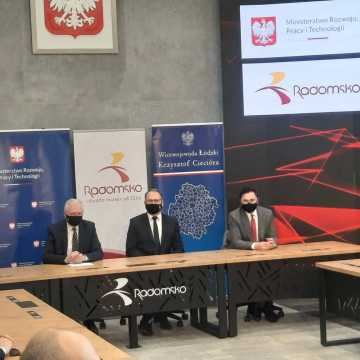 Nowe inwestycje mieszkaniowe. W Radomsku podpisano porozumienie z Krajowym Zasobem Nieruchomości