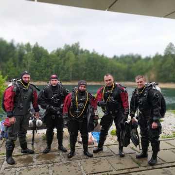 Strażacy ćwiczyli pod wodą