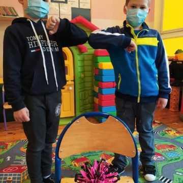 """Uczniowie """"zerówki"""" w PSP nr 8  dowiedzieli się czym jest koronawirus i jak można z nim walczyć"""