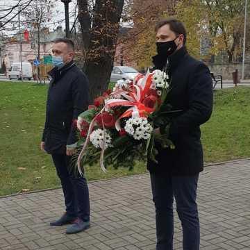 Święto Niepodległości: kwiaty od wicewojewody łódzkiego