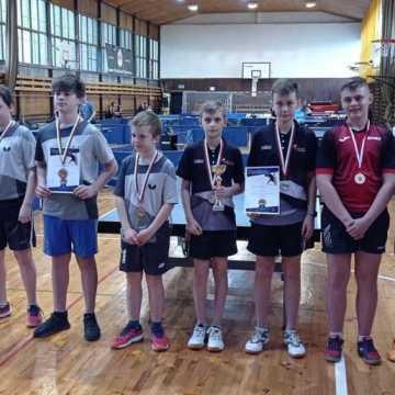 Awans młodzików UMLKS Radomsko na tenisowe Mistrzostwa Polski