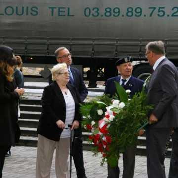 Kwiaty w rocznicę wybuchu II Wojny Światowej