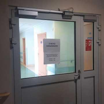 Łódzkie: nadal wysoka liczba hospitalizacji w związku z COVID-19