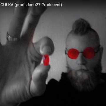 Posłuchaj nowego utworu Lazarusa. Artysta z Radomska promuje utwór Czerwona Pigułka.