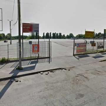 Dodatkowy parking dla uczestników pogrzebu Jerzego Słowińskiego