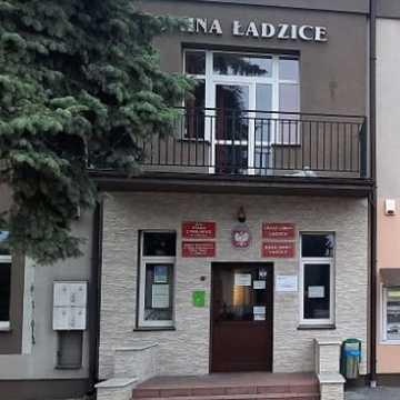 Wójt gminy Ładzice uniemożliwia utworzenie na terenie gminy zoo oraz fundacji na rzecz obrony zwierząt?
