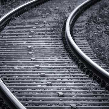 Radomsko: 30-latek został potrącony przez pociąg