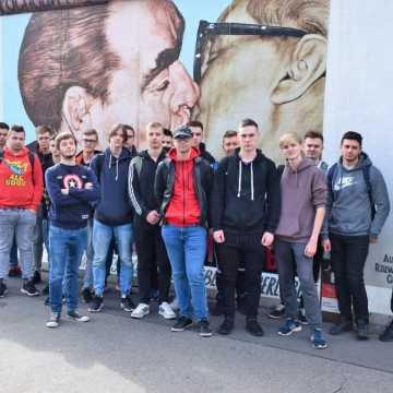 """Staż uczniów """"Elektryka"""" w Niemczech. Nabyli tam nowe umiejętności"""