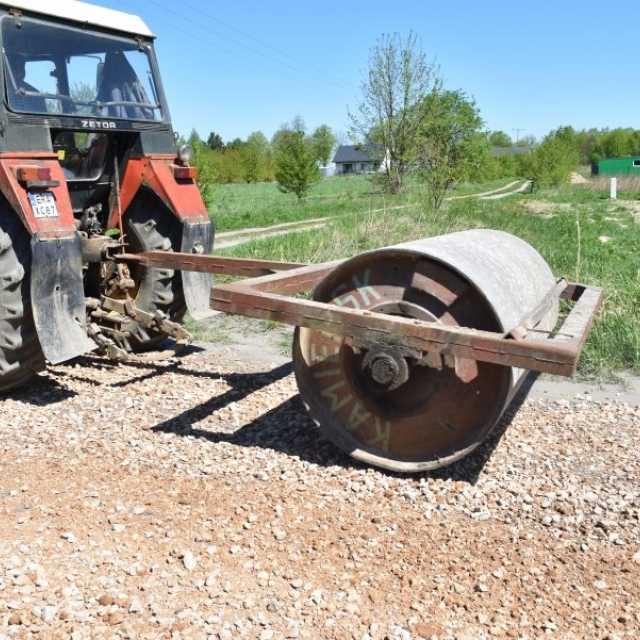 Gm. Kamieńsk: trwa utwardzanie dróg gruntowych