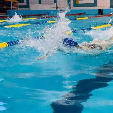 MOSiR w Radomsku zaprasza na naukę pływania i aerobik wodny