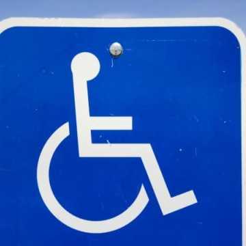 Nowe miejsca parkingowe dla niepełnosprawnych przy cmentarzach