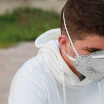 Prof. Flisiak: w kraju epidemia koronawirusa nie ustąpi do końca kwietnia