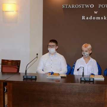 Władze powiatu radomszczańskiego nagrodziły najlepszych sportowców