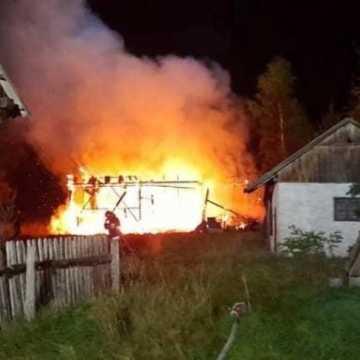 Gm. Żytno: spłonęła drewniana stodoła. Prawdopodobnie została podpalona