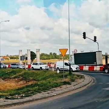 Budowa autostrady A1.  Postęp prac na węźle w Kamieńsku