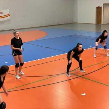 Wystartowała Amatorska Liga Siatkówki Kobiet w Radomsku