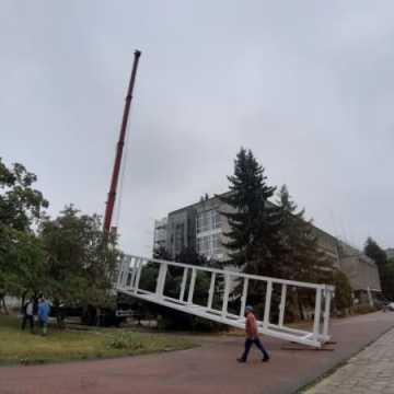 W Urzędzie Miasta w Radomsku montowana jest winda