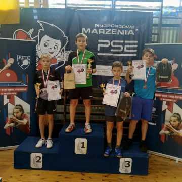 Sebastian Musiał z medalami mistrzostw województwa w tenisie stołowym