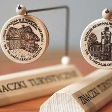 Znaczek Turystyczny dla Muzeum i Chaty Tatarskiej
