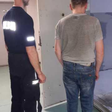 Poinformował, że na komendzie policji jest bomba. Mężczyzna został zatrzymany