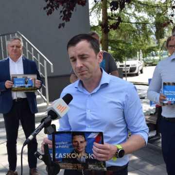 Komu zależy na niszczeniu i kradzieży  banerów Rafała Trzaskowskiego?