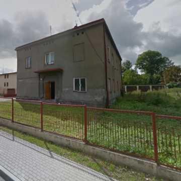 Powiat sprzeda działki po byłej Szkole Rolniczej w Strzałkowie